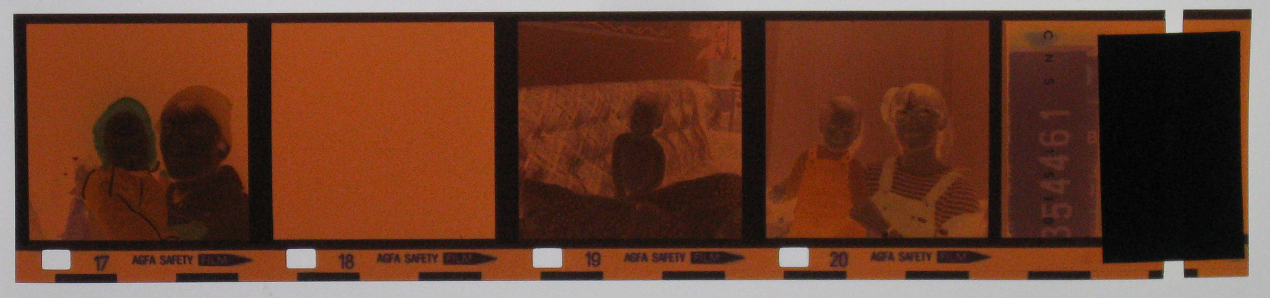 Negative 126 film, Ins...
